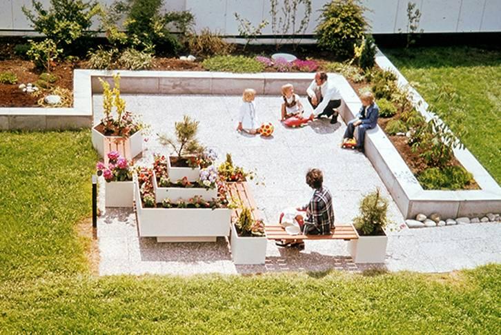 Harzmann family in the roof garden, 1973